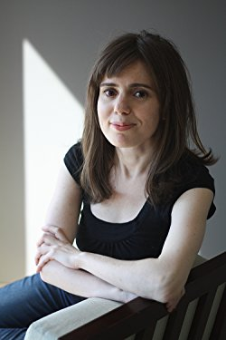 Rebecca Schiff headshot